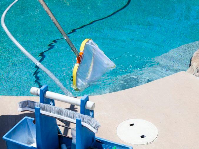 Por qué contratar un servicio de mantenimiento para tu piscina